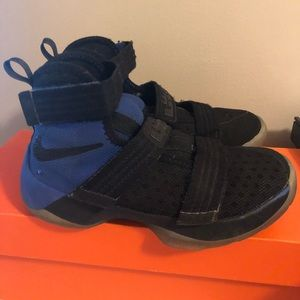 Lebron Soldier 10- Size 13Y
